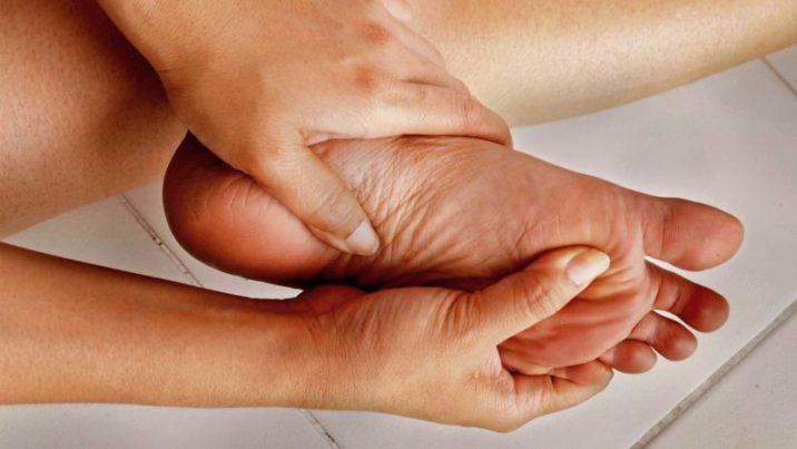 Скованность суставов пальцев ног лечение хруста в коленных суставах