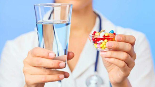 На поздних стадиях могут применяться кортикостероиды, новокаиновые блокады