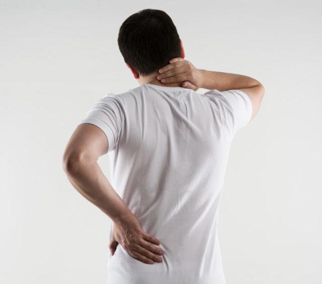 Боли в области позвоночника при физической активности уменьшаются