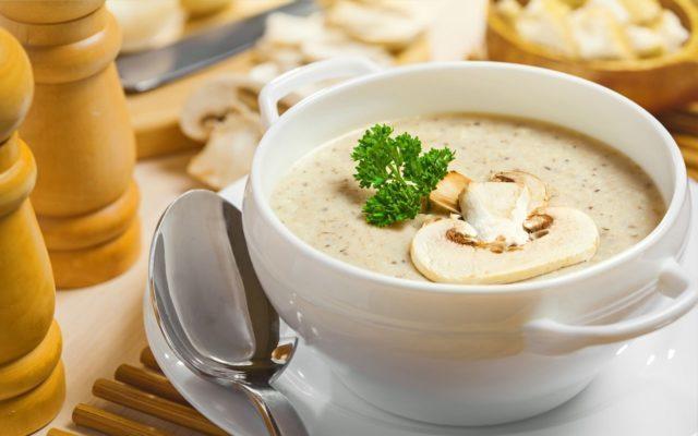 Некоторые исследования показали, что молочные продукты с низким содержанием жира могут снизить риск развития подагры