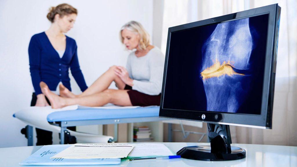Рентгенография – считается основным методом в диагностике суставных воспалений, но не способна показать структуру мягких тканей