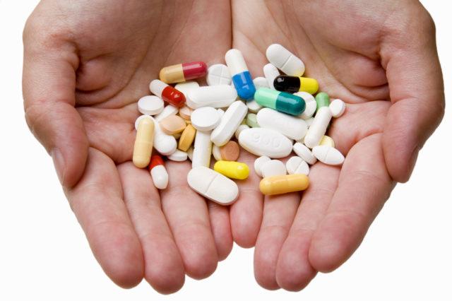 Для эффективного лечения артрита тазобедренного сустава необходимо установить причину болезни