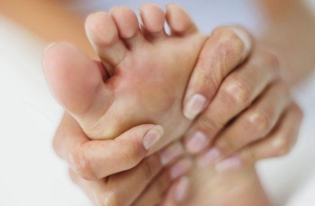 При тяжелом течении болезни возможны серьезные нарушения опорно-двигательной функции