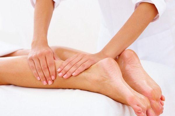 Помимо медикаментозного лечения посттравматического артрита, необходимо ежедневно выполнять индивидуально подобранный физиотерапевтом комплекс упражнений