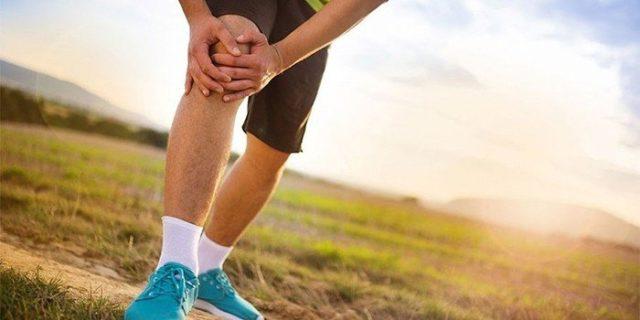 Исходя из названия недуга, становится понятно, что главным клиническим проявлением выступает изменение внешнего вида пораженного сустава