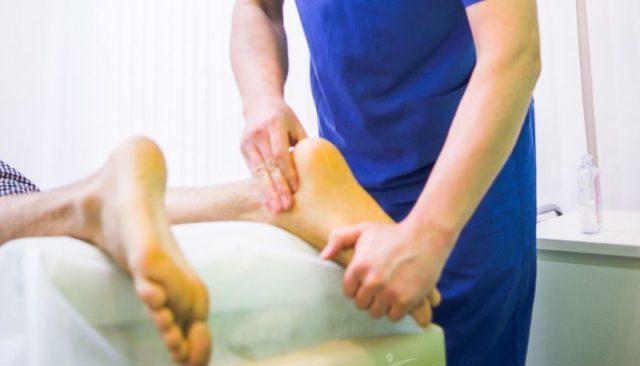 Массаж благоприятно влияет на нервы и мышцы