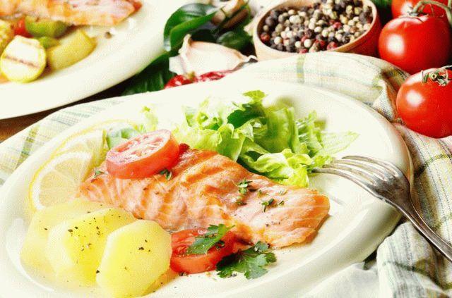 Растительные масла и орехи - продукты, содержащие в большом количестве ненасыщенные жиры и витамин Е