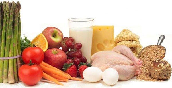 Овощи и фрукты должны занимать большую долю в питании при артрите, диета строится таким образом, чтобы в сутки в меню входило не меньше 300 грамм овощей и 200 грамм фруктов