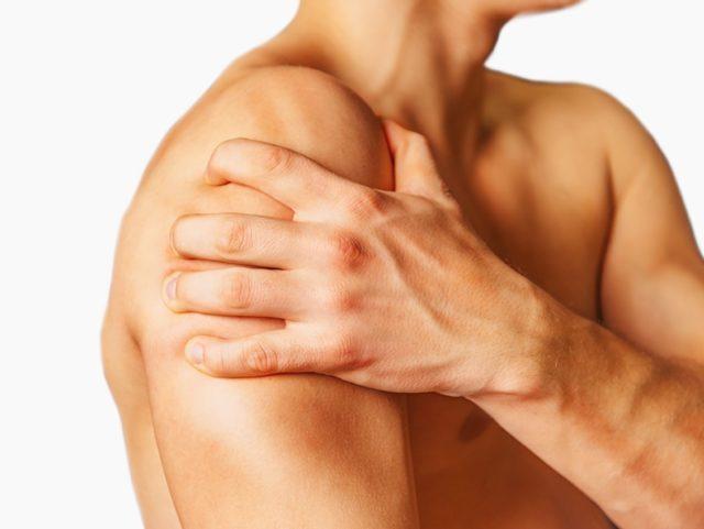 Как правило, артрозные боли пациенты испытывают в состоянии нагрузок, но стоит им сесть либо лечь в удобной позе для пораженной конечности, как болевые проявления стихают