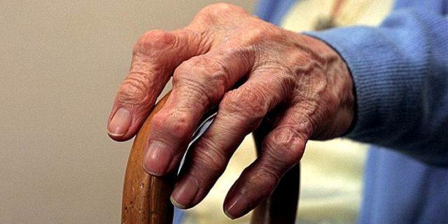 Реактивный полиартрит часто развивается у мужчин после больших нагрузок, переохлаждения, травм конечностей и постоянного воздействия негативных факторов