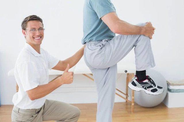 В процессе лечения используются динамические (подвижные) и изометрические (статические) упражнения