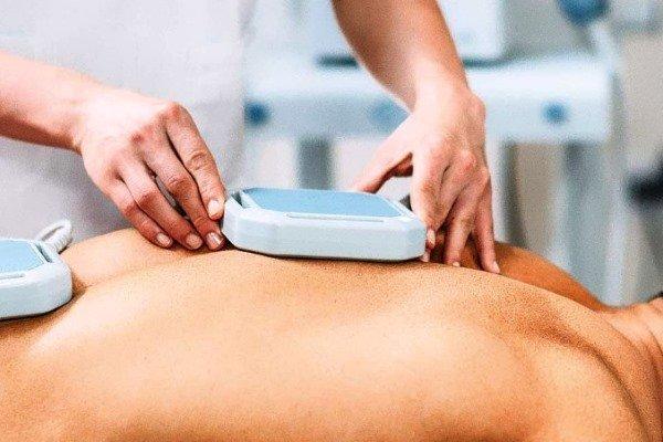 Зачастую для лечения используют ультразвуковое оборудование
