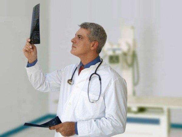 Рентгенографию и/или магнитно-резонансную томографию (МРТ) сустава