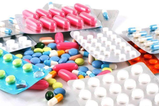 Противоподагрические: воздействуют непосредственно на обмен веществ и мочевую кислоту