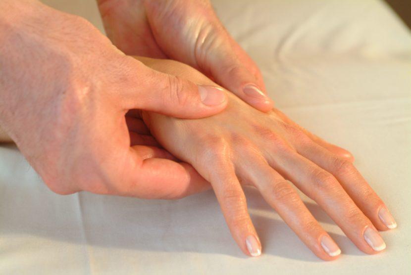 Бурсит воспаление суставной сумки пальцев и запястья кисти